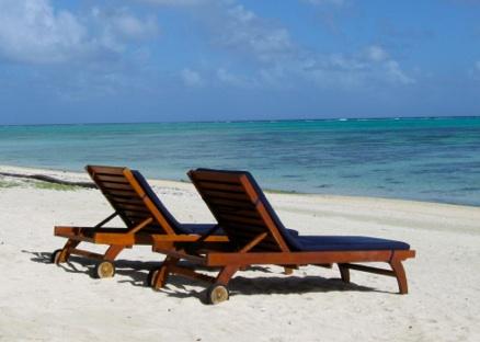 What's a good title for an essay describing the beach?