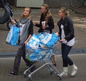 Social Shopping Girls